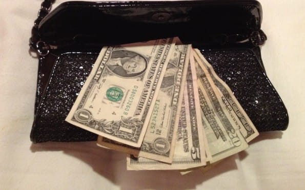 come conservare soldi, conservare soldi per un viaggio a lungo termine, tecniche per conservare soldi, metodi per risparmiare soldi