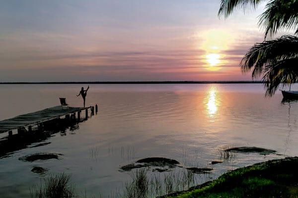 Clelia_mattana_bacalar_mexico_sunrise_yoga
