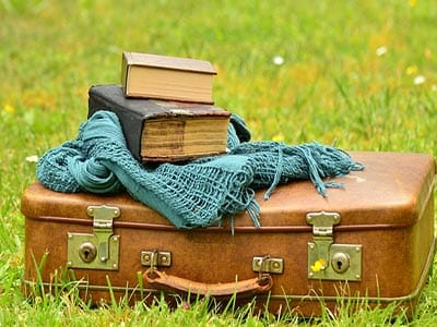 Travel_packing_list_tips_what_to_pack_for_holiday_vacation
