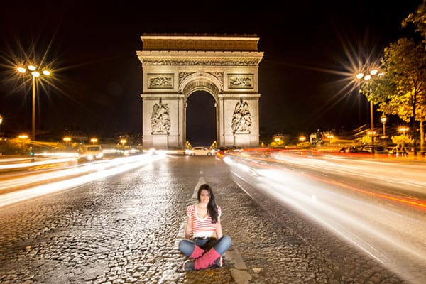 Clelia-Mattana_keep_calm_and_travel_website_Paris_by_night_arc_de_triumph_long_exposure_photography