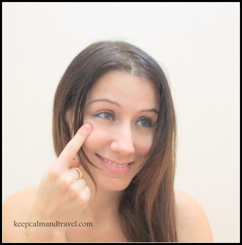Italian-hand-gestures-He-she-thinks-he-is-smart-Clelia-Mattana_keep-calm-and-travel
