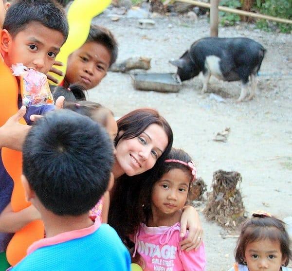 Filipino kids in Carabao Island