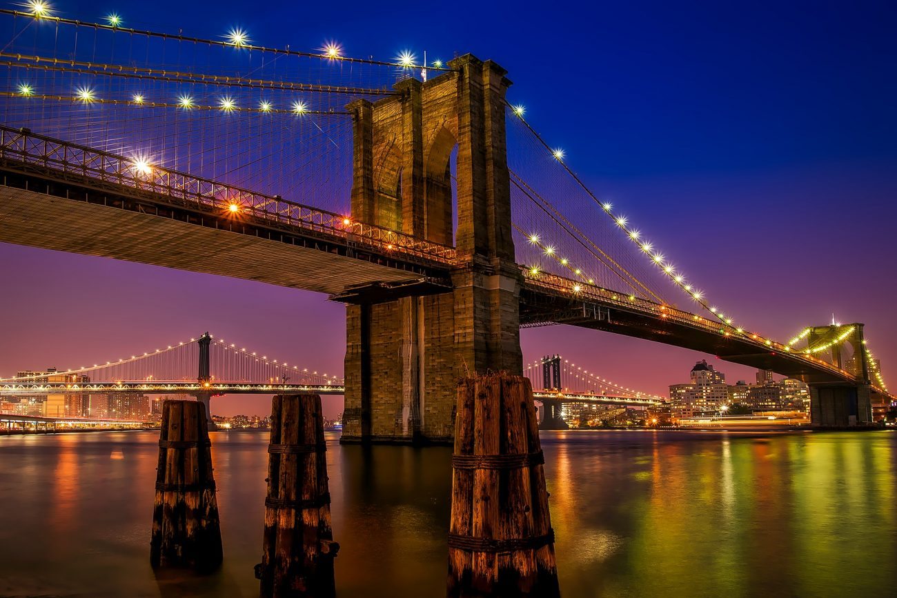 BROOKLYN-BRIDGE-BY-NIGHT