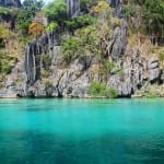 CRISTAL-CLEAR-WATER-ON-A-BOAT-TRIP-CORON-PALAWAN