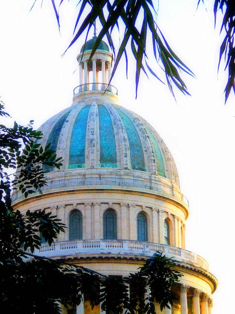 capitol-building-in-havana-Cuba