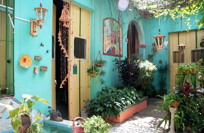 cuba-casas-particulares-Camaguey-Los-Vitrales