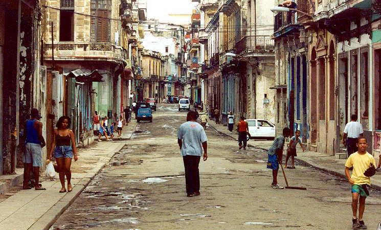 havana-cuba-streets-people-in-cuba