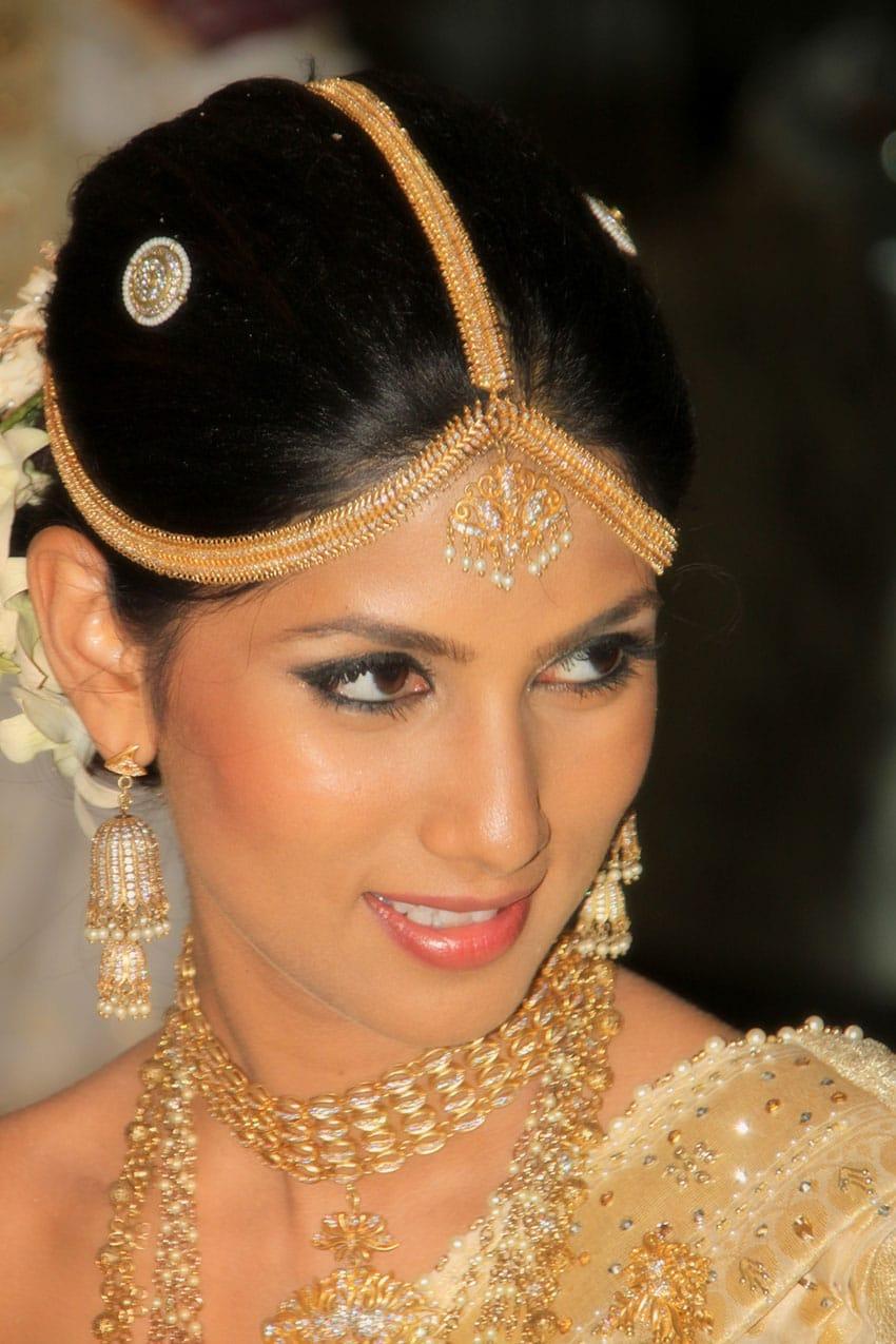 SRI-LANKA-BRIDE-WEDDING-CINNAMON-LAKESIDE