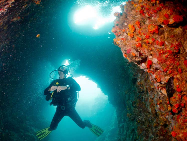 koh-tao-diving-guide-sail-rock-keep-calm-and-travel-chimney