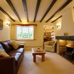 BAY-RETREAT-APARTMENT-HOTELS-IN-POOLE-FOR-A-HOLIDAY-IN-THE-SOUTH-OF-THE-UK-COAST-ENGLAND
