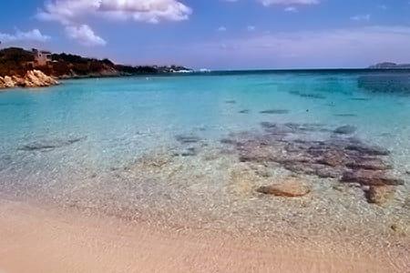 CAPRICCIOLI-BEACH-COSTA-SMERALDA-PORTO-CERVO-SARDINIA-HOLIDAYS