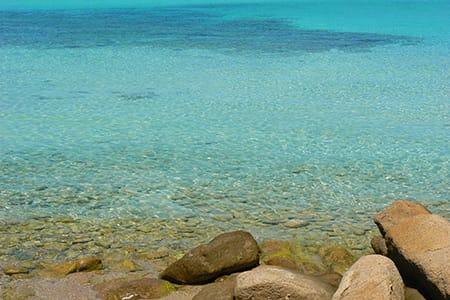 PEVERO-BEACH-COSTA-SMERALDA-SARDINIA-ROMANTICHOLIDAYS-
