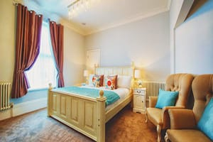 SOMERSET-HOUSE-BOUTIQUE-HOTEL-PORTSMOUTH-BEST-PLACES-TO-STAY-FOR-HOLIDAYS-IN-SOUTH-UK-COAST