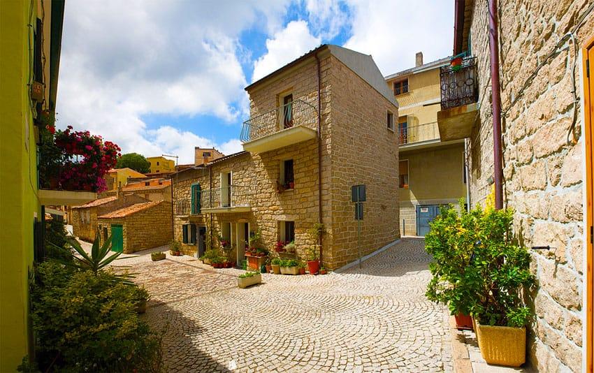 aggius-sardinia-solo-travelers-holidays-in-sardinia-what-to-do-when-you-travel-solo-where-to-stay-best-hotels-for-solo-travelers-in-sardinia
