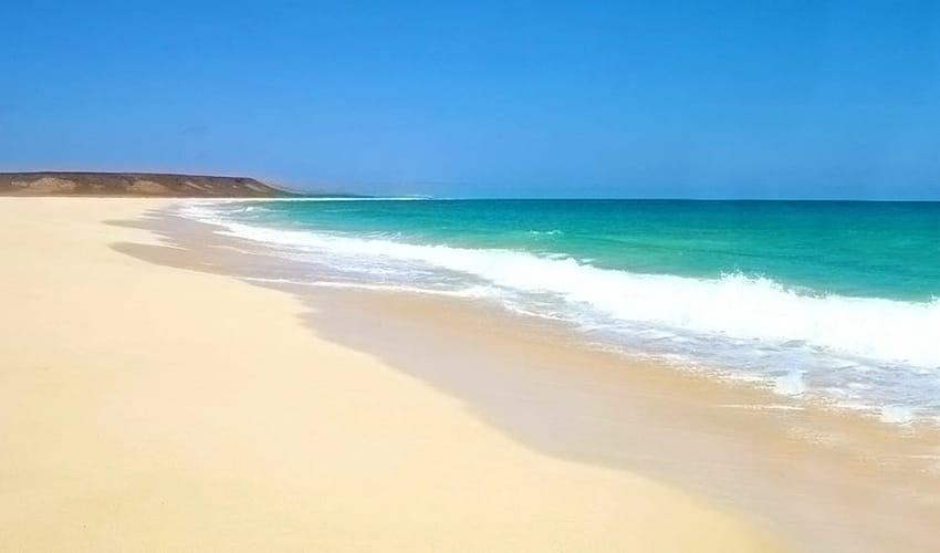 badesi_beach_solo-traveler-sardinia-where-to stay-what-to-do