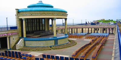 eastbourne-bandstand-south-uk-holiday-england-things-to-do