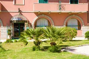 hotel_villa_delle_rose_oristano_sardinia_holidays_in_one_week_itinerary_best_hotels_guest_houses_B&B_near_oristano