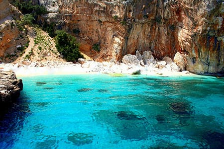 sardinia-best-beaches-Cala-mariolu-beach-golfo-di-orosei-sardinia-holiday