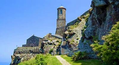 sardinia-sant-antonio-abate-cathedral-castelsardo-sardinia-holidays-what-to-do-where-to-stay-in-north-sardinia
