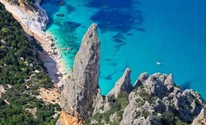 Sardinia_holidays_1_week_itinerary_east_coast_golfo_di_orosei_things_to_do_trekking_cala_goloritze_best_hotels_and_cheap_accommodation_in_sardinia_in_baunei_orosei