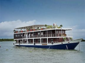 river-cruise-mekong-river-cambodia