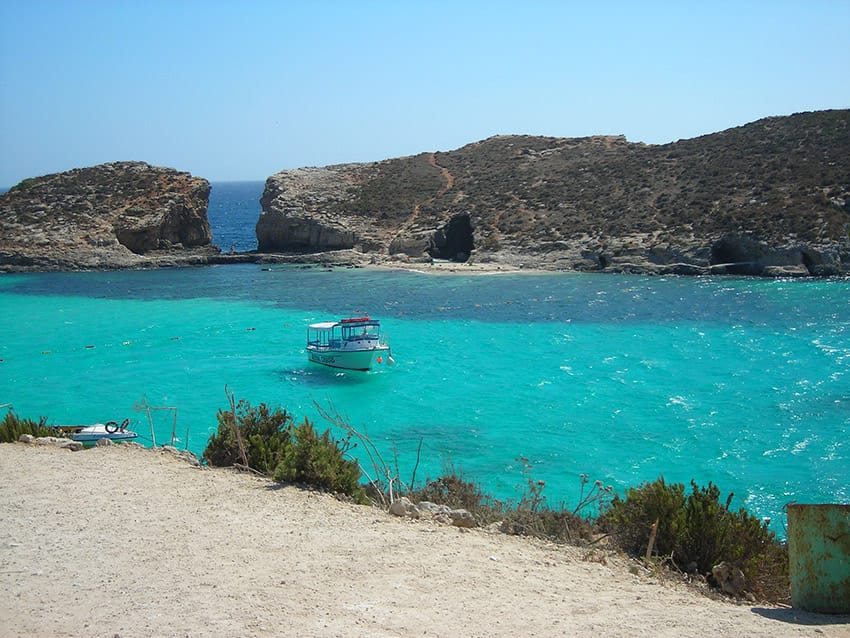 Malta_things_to_see_and_what_to_do_Blue_Lagoon_and_Cominotto