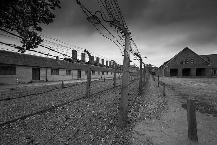 AUSCHWITZ_museum_entrance_visit_Auschwitz_Birkenau_concentration_camps_holocaust_images