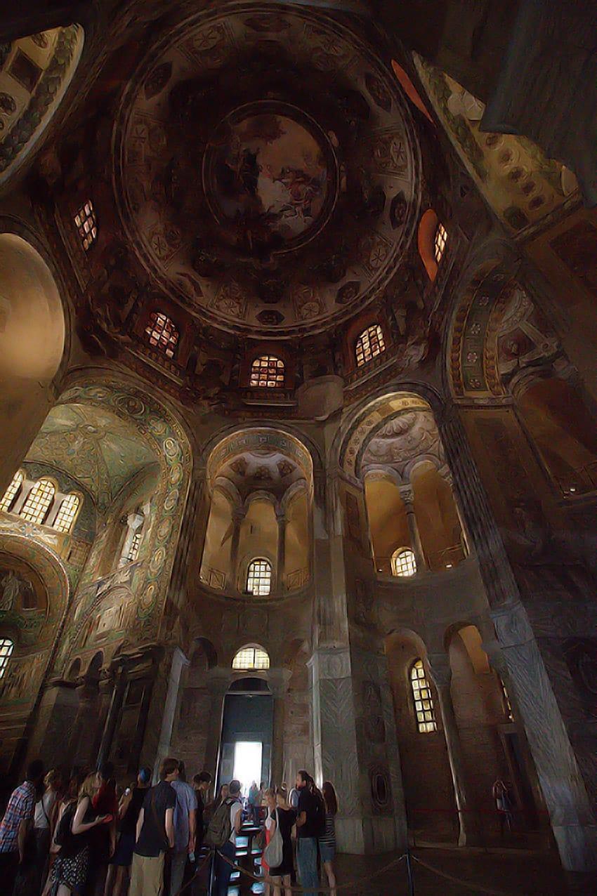 inside-the-church-of-san-vitale-ravenna-emilia-romagna