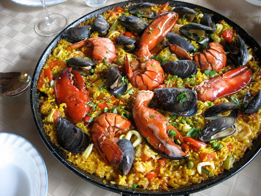 paella-in-Barcelona_top_10_things_to_do_in_barcelona_the_food_paella