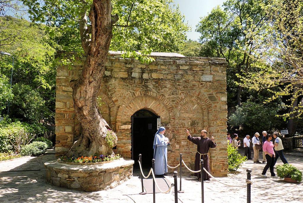 Ephesus_kusadasi_turkey-Efeso_-_La_casa_di_Maria_virgin_mary_house_Turkey