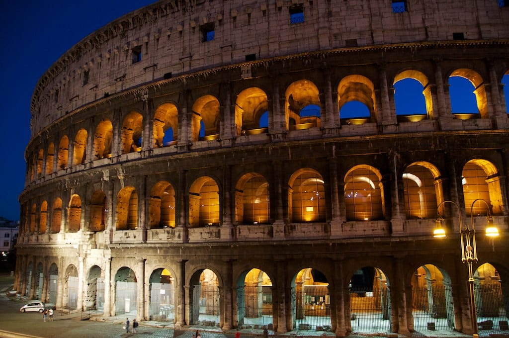Italy_Rome_colosseo_coliseum_by_night_what_to_do_in_rome_During_summer_things_to_do_in_rome