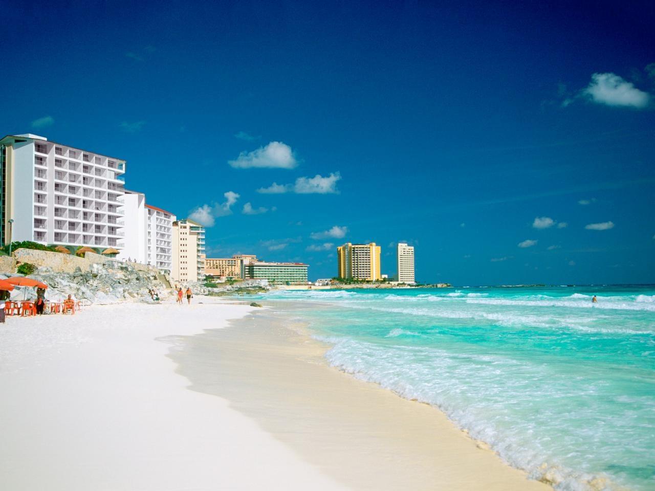 shoreline-coast-cancun-mexico-best-spring-breaks