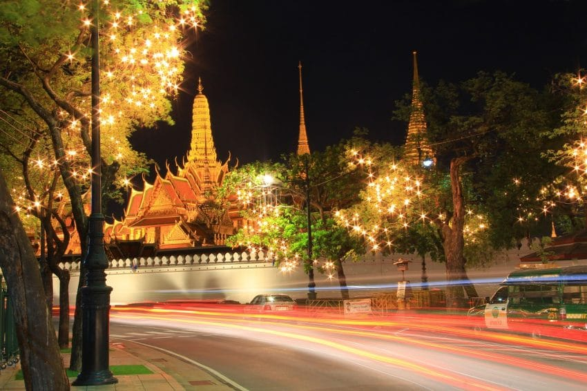 temple-of-the-emerald-buddha-978807_1280