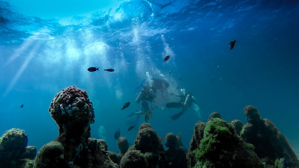 MEXICO-THINGS-TO-DO-UNDERWATER_MUSEUM_CANCUN_MEXICO_SCUBA_DIVING