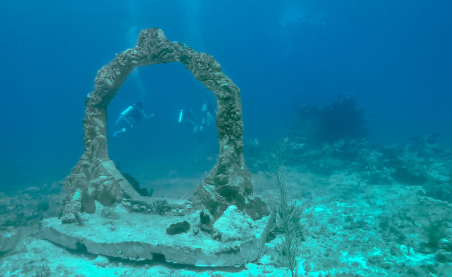 UNDERWATER_MUSEUM_CANCUN_SCUBA_DIVING_MEXICO