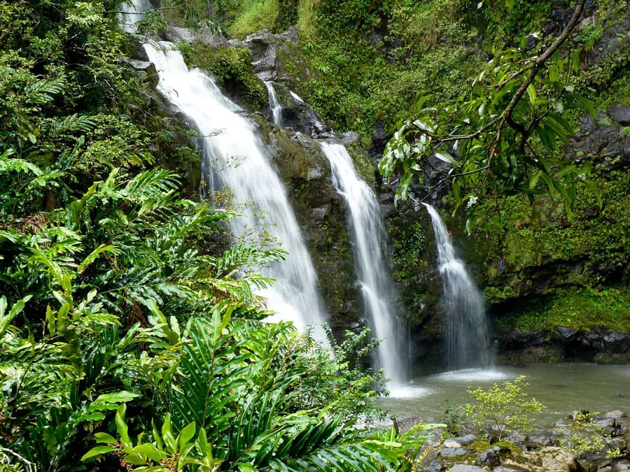 waterfall-969228_1280