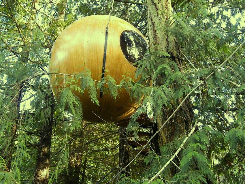Free-Spirit-Spheres_Three_house_Vancouver_canada