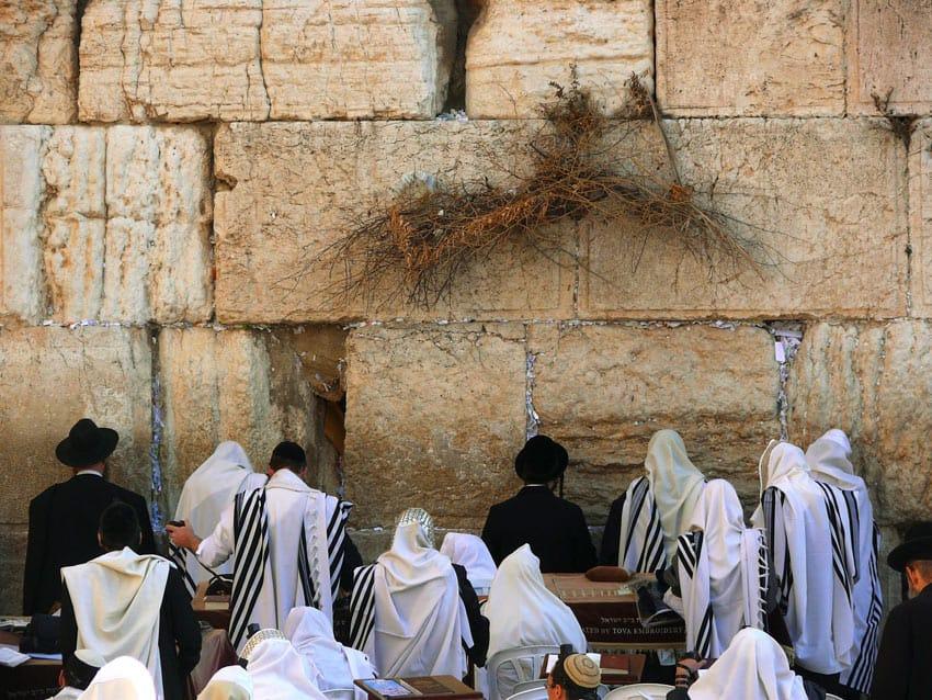 israel_jerusalem_Jews-pray-in-the-Western-Wall
