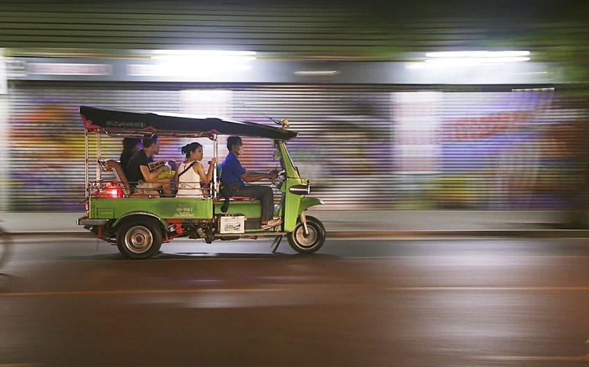 tut-tuk-Thailand_holidays_plan_things_to_do_bangkok