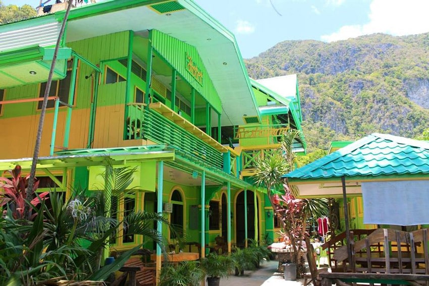 Philippines_el-nido_accommodation_hotel_near_the_beach_palawan_Austria's_guest_house