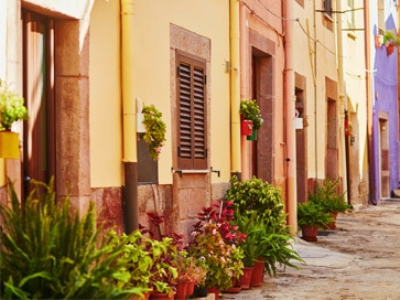 sardinia-best-things-to-do-bosa-marina-historical-center-walk