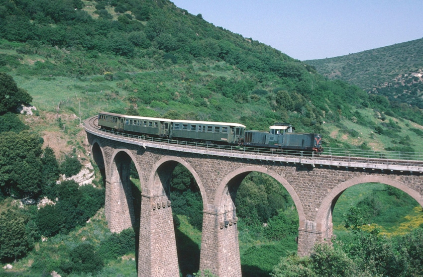 sardinia-italy-best-things-to-do-trenino-verde-green-train-experience