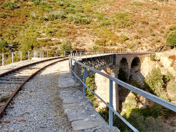 sardinia-italy-things-to-do-trenino-verde-green-train-experience-bridge-near-Mandas-village-