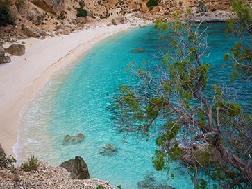 things-to-do-in-sardinia-in-winter-SELVAGGIO-BLU-Hike-CALA-GOLORITZE-BEACH