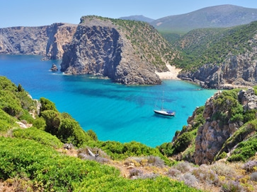 things-to-do-in-sardinia-italy-cala-domestica-beach-near-porto-flavia-inglesias-masua-nebida