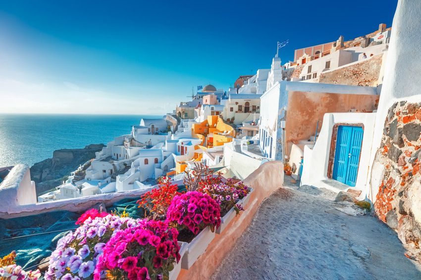 Santorini-Greece-holidays-viewpoint