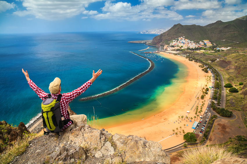 THINGS-TO-DO-IN-TENERIFE-HIKING-ADMIRE-SEA-VIEW-FROM-THE-MOUNTAIN-Playa-de-Las-Teresitas,-Canary-Islands,-Spain