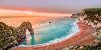 durdle-door-dorset-things-to-do-on-holiday-on-the-south-coast-of-england-uk