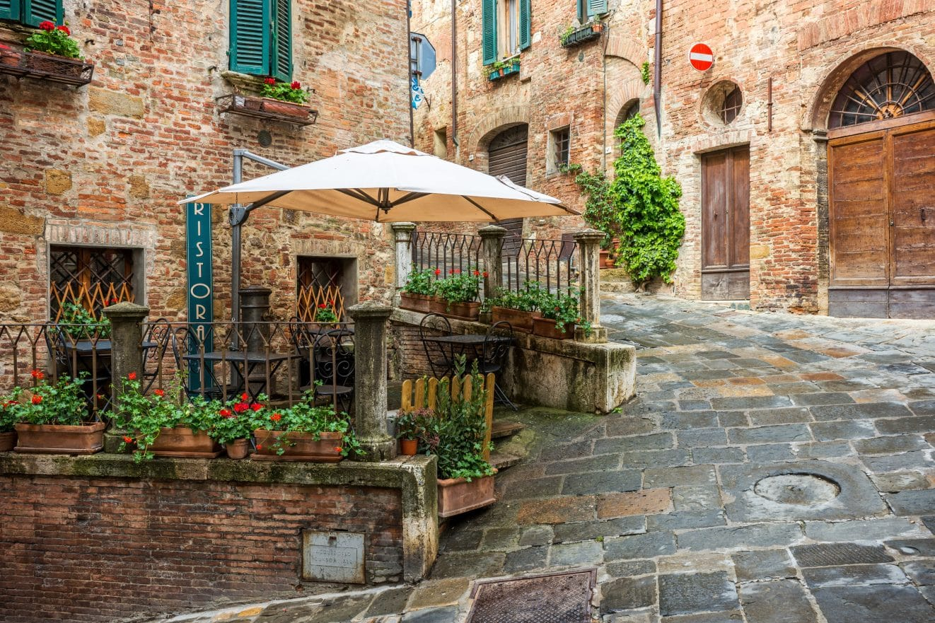 Beautiful-alley-in-Tuscany-Old-town-Montepulciano-Italy-road-trip-things-to-do-and-see