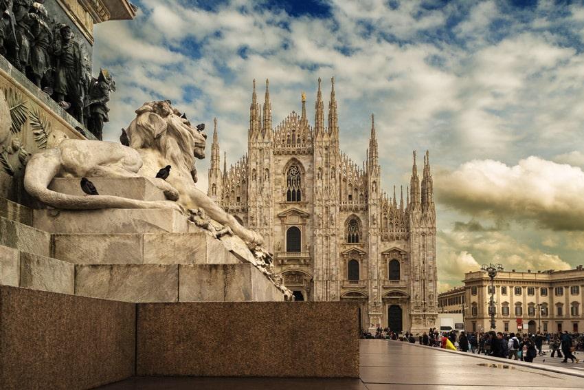 ITALY-ROAD-TRIP-ITINERARY-MILAN-Milano-duomo